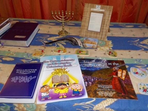 HalleluYah-Scriptures-Review-Parallel-Hebrew-Bible-Sacared-Bible-Restored-Name-Bible-The-Best-Bible-The-Scriptures-Cepher-Yahweh-Yahwah-waterproof-bible-HebrewCB6